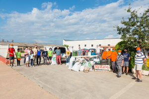 Una vintena de voluntaris participen al Let's Clean Up